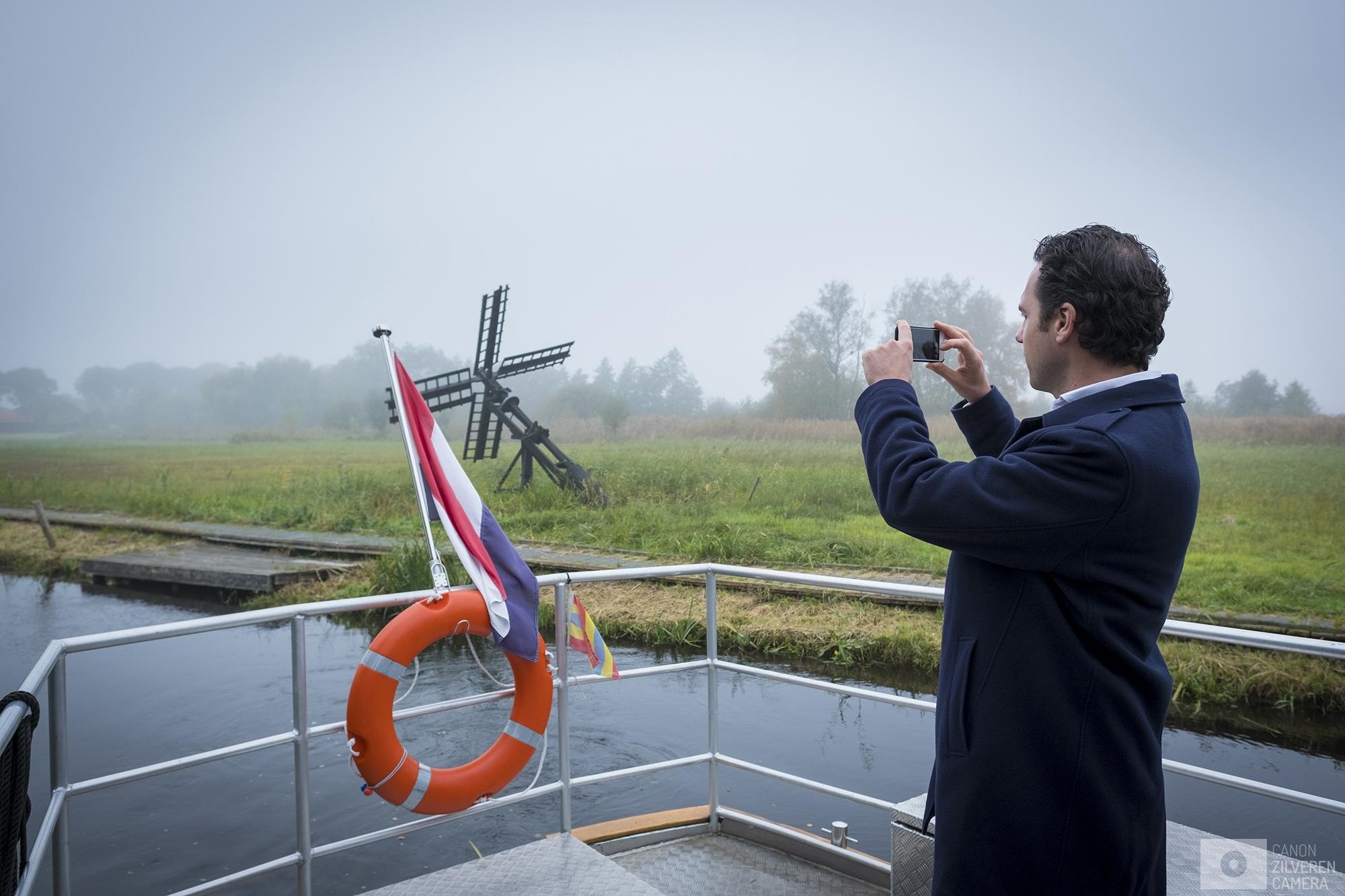 Nederland Den Haag 27102016 - Staatssecretaris Martijn van Dam van Landbouw en Economische Zaken (PvdA) bezoekt op een dag de mooiste natuurgebieden van Nederland.