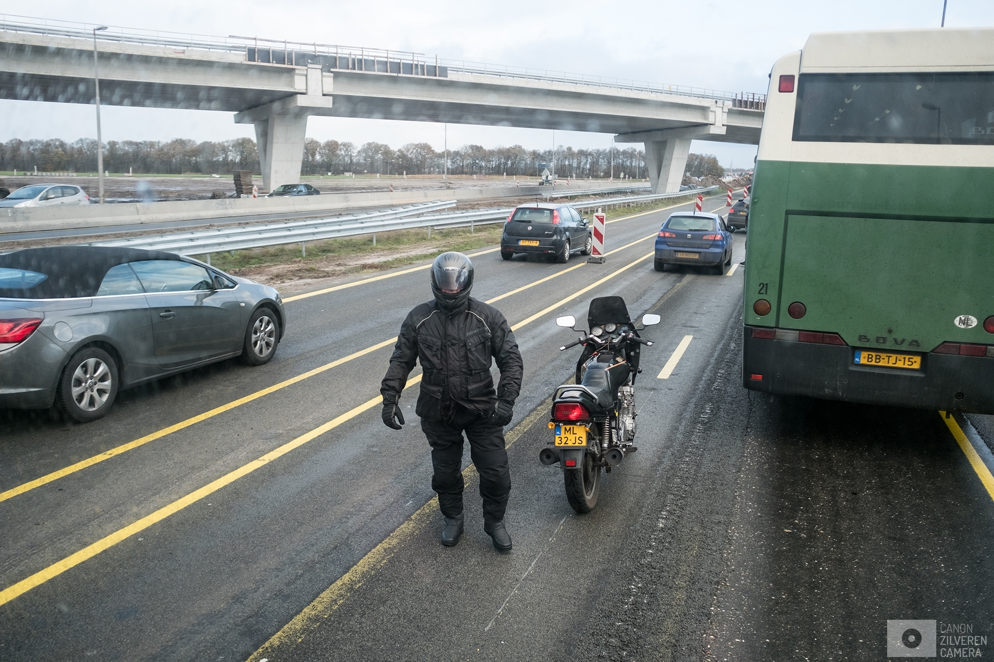 OUDEHASKE | A motorcyclist stoped his bike on the middle of the A7 to prevent the busses from driving. | #2