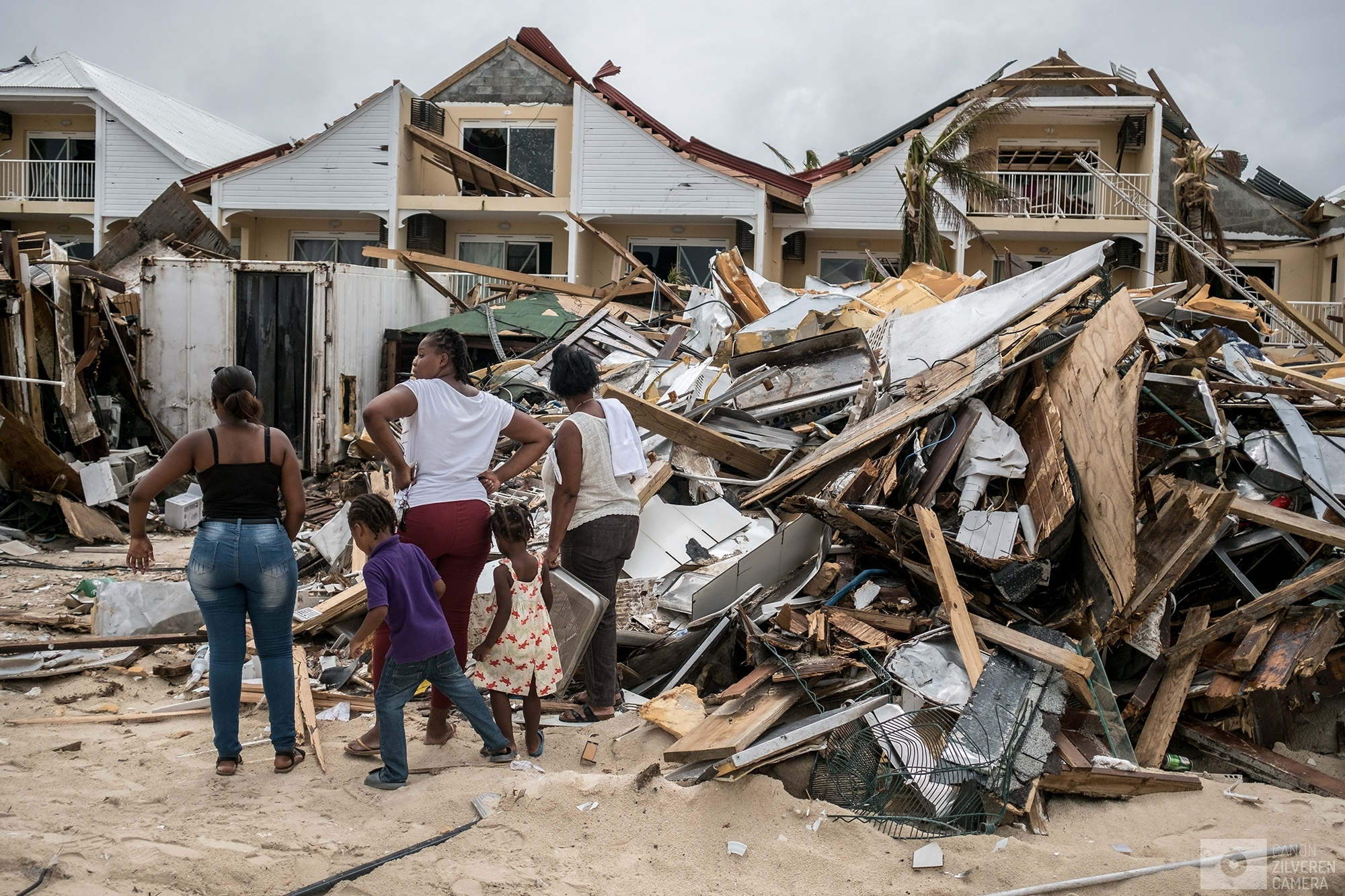 SINT MAARTEN | A family is inspecting the damage done to restaurants on the French side of the island. | #6