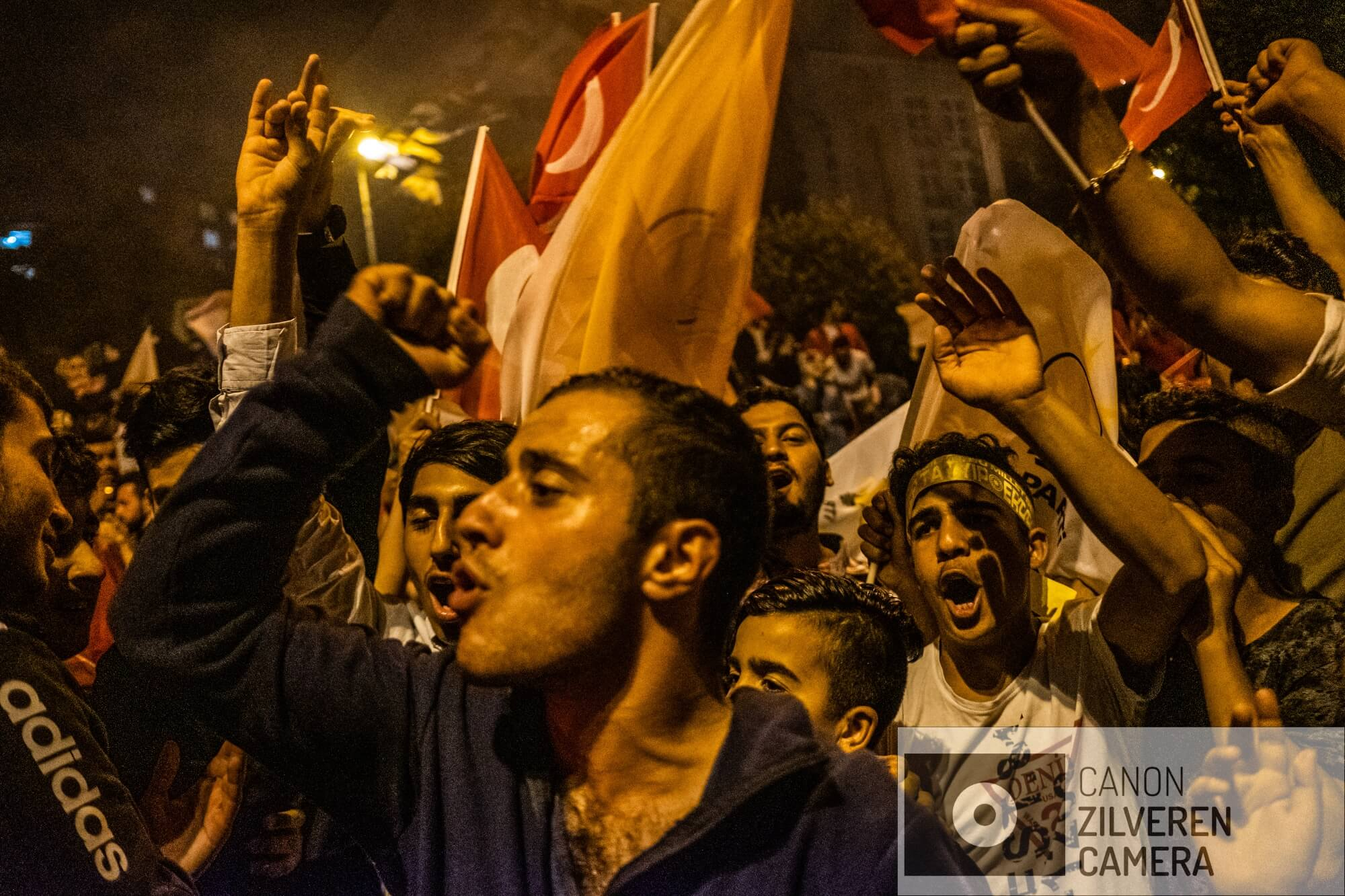 Istanbul, Turkey, June 24, 2018 | PHOTO #5 | AKP supporters are celebrating Erdogan's victory during the 2018 elections in front of the AKP headquarters in Istanbul. Photo: Joris van Gennip