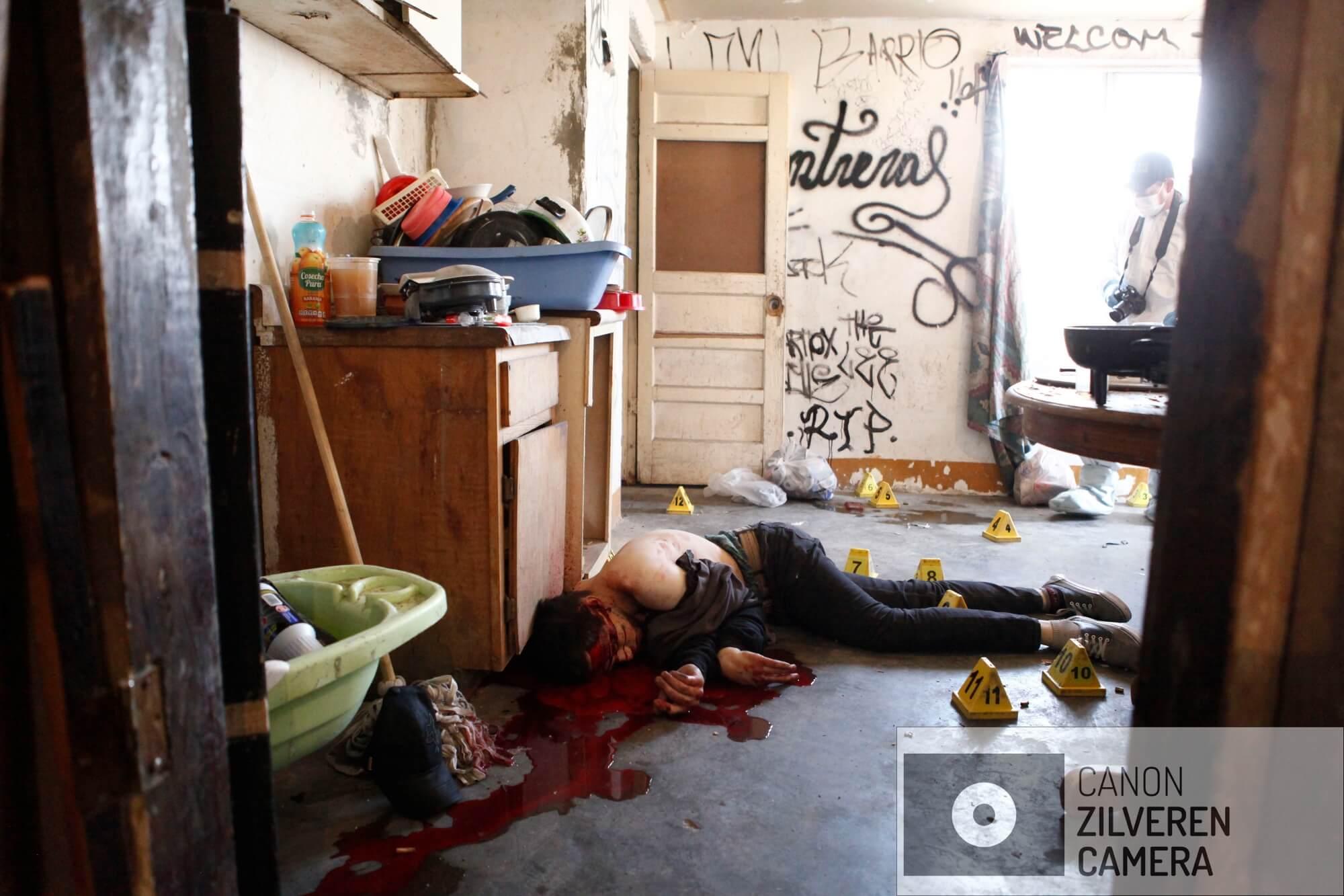 Luis Ángel Rodriguez Contreras (27) werd door drie gemaskerde mannen in zijn huis vermoord in bijzijn van zijn vrouw Lesly. Zowel Luis als Lesly waren verslaafd aan crystal meth. Hij was pas een paar dagen uit de gevangenis en wilde zijn leven beteren.