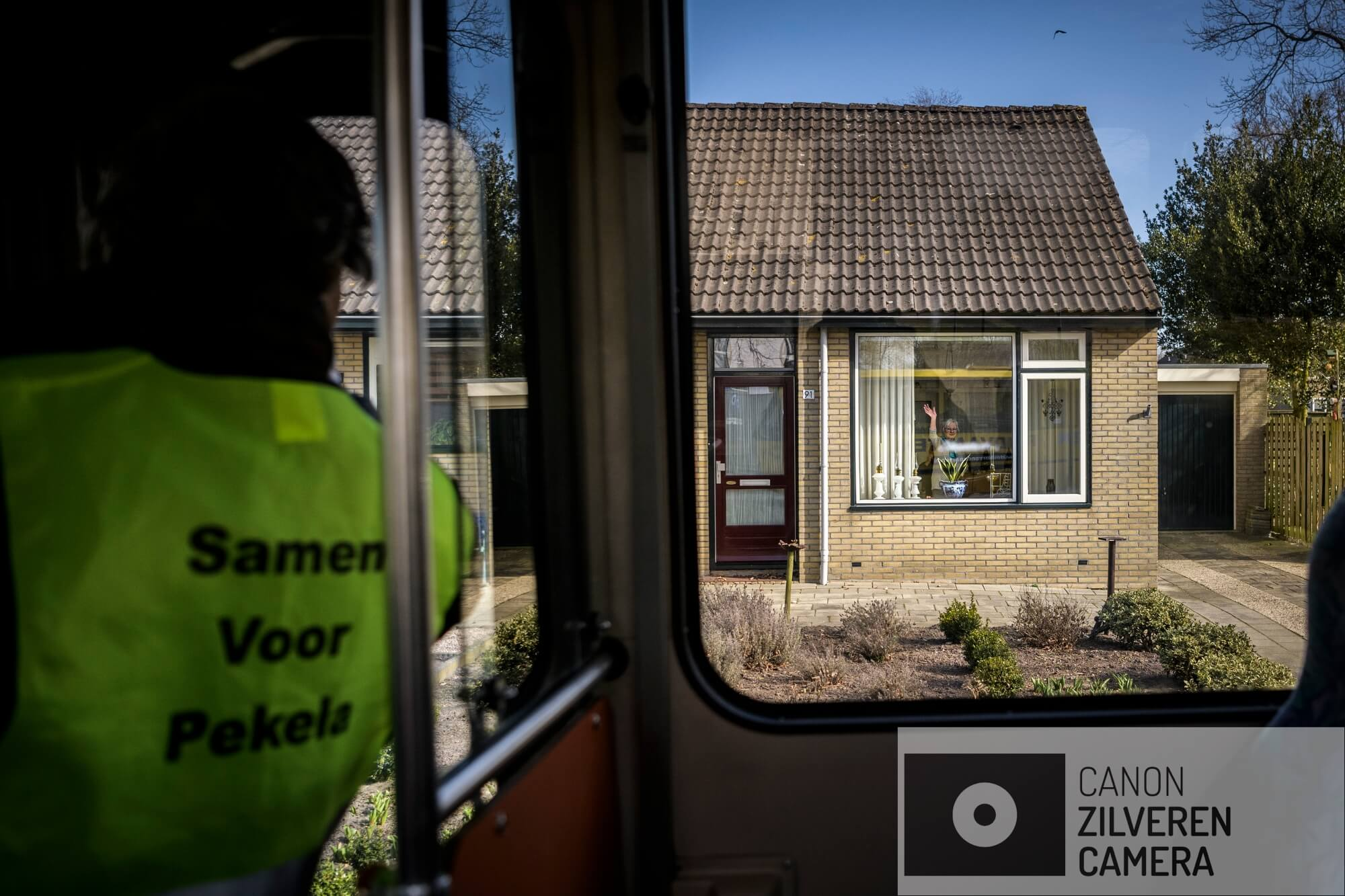 Nederland, Nieuwe Pekela, 17-03-'18; De lokale politieke partij Samen Voor Pekela voor , tijdens en na de gemeenteraadsverkiezingen.Op pad met de campagne bus. Serie Samen Voor Pekela - 03