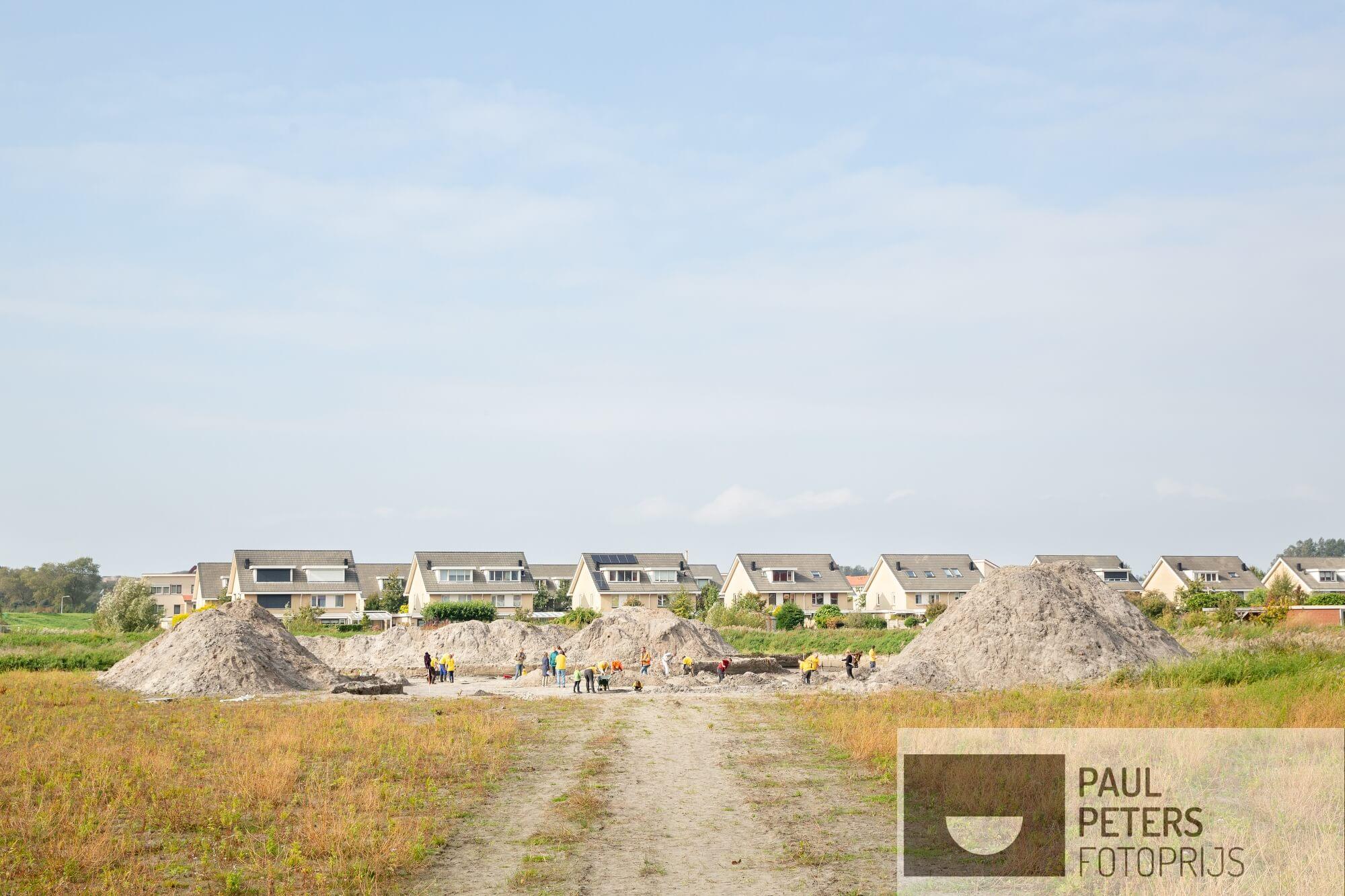 08. Voor de eigen rubriek VRIJ voor NRC Handelsblad. Hoe breekt de Nederlander uit de sleur van alledag?  Bijvoorbeeld door vrijwillig deel te nemen aan een archeologische opgraving bij Katwijk.
