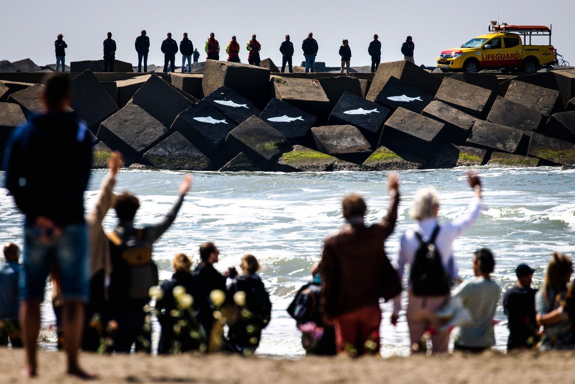 2-13617-NR-s-Sem-van-der-Wal-Surfdrama-Scheveningen-008