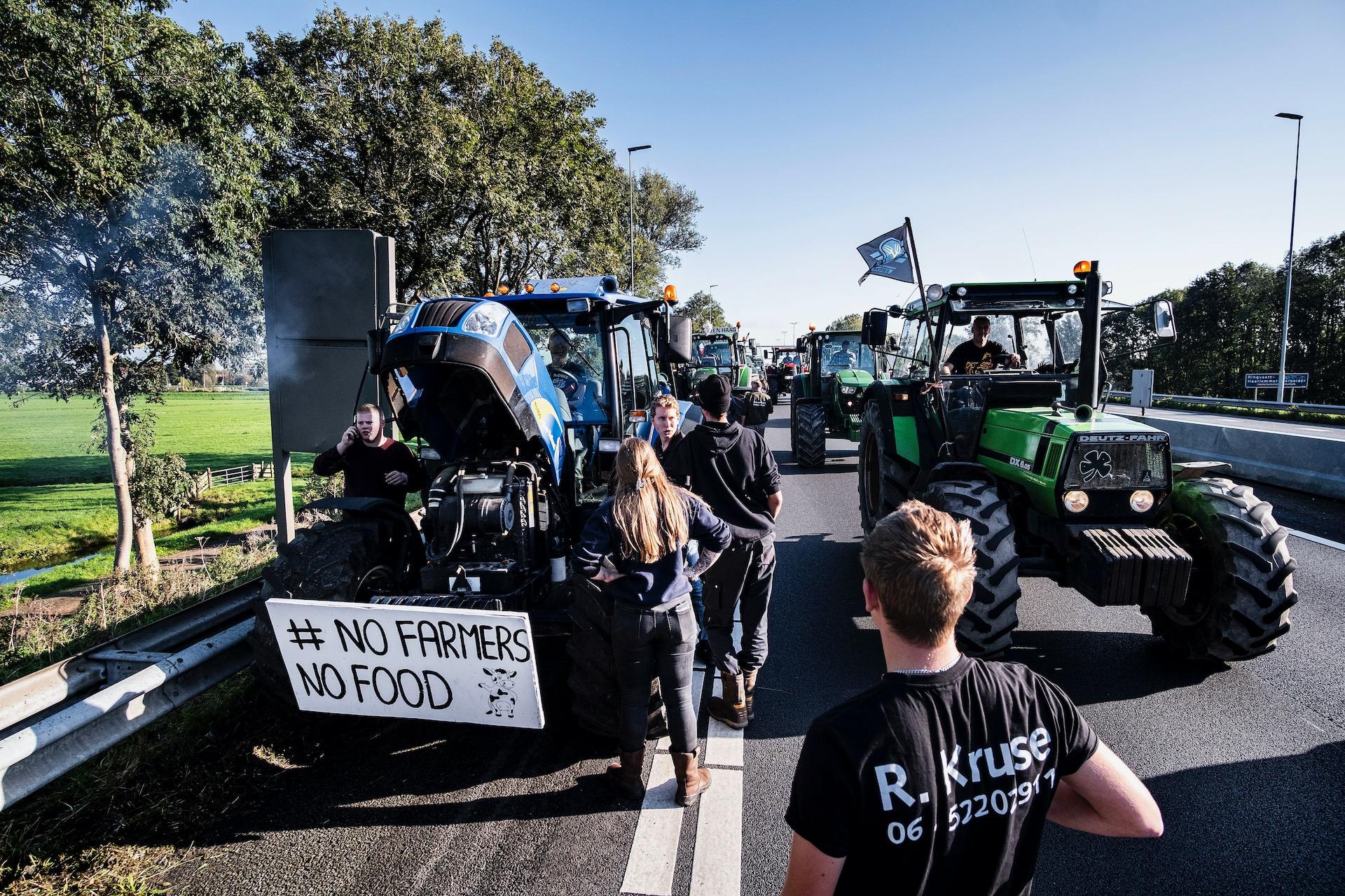 Boeren vanuit het hele land houden een Boerenprotest op het malieveld in Den Haag. De boeren eisen een opschorting van de beleidsregels rond stikstof.