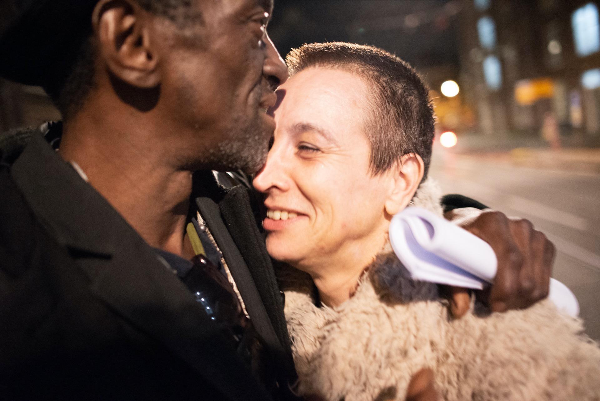 Hilmano en Iris verliefd op stap door Amsterdam